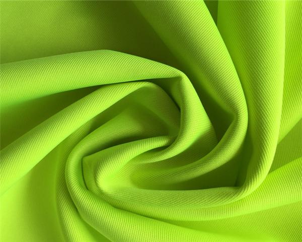 系列《原纱吸湿排汗透气运动面料》广泛用于服装