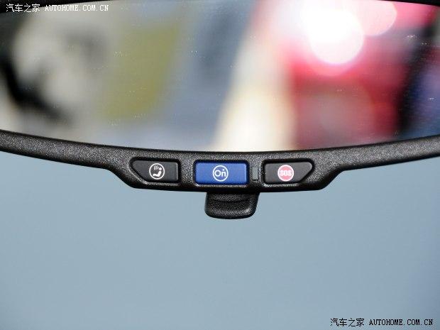 通用雪佛兰 爱唯欧 2014款 两厢 1.6SX AT 风尚版
