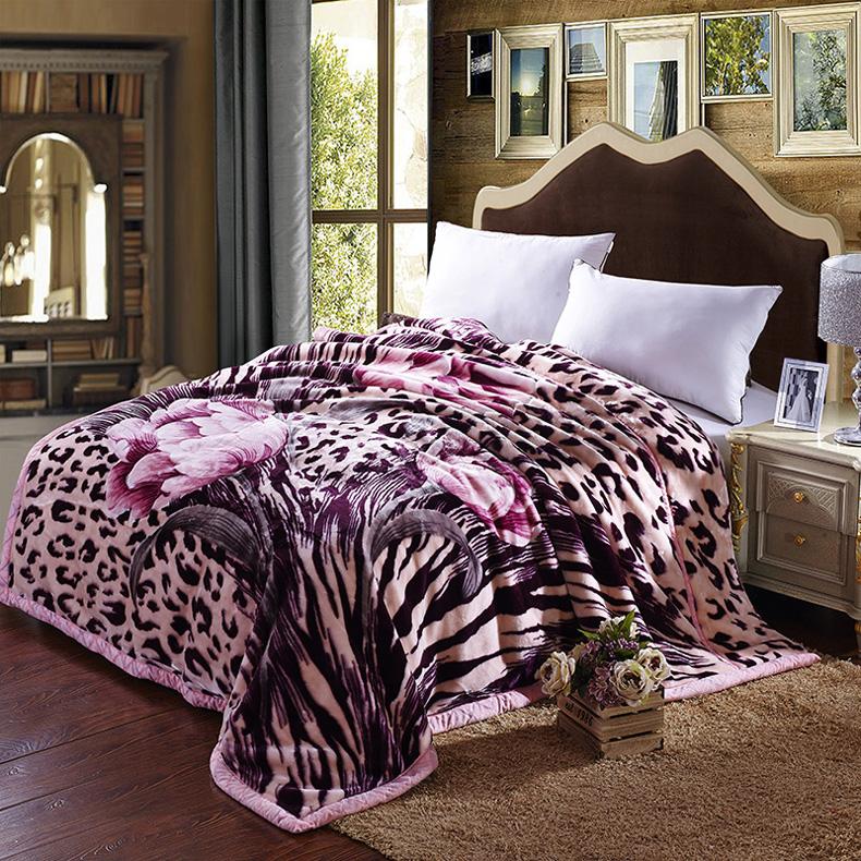 精品紫豹纹拉舍尔绒毛毯