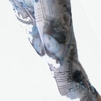 供应透气网纱印花打底7分裤 报纸纹 海报 泛绿