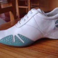 供应运动鞋