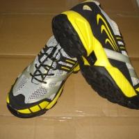 清仓运动鞋 库存鞋批发 杂款运动鞋 出口便宜运动鞋 印尼鞋