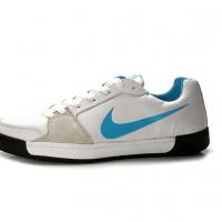 时尚休闲板鞋